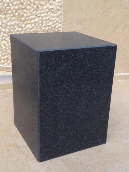 Urne cinéraire Granit Noir satiné