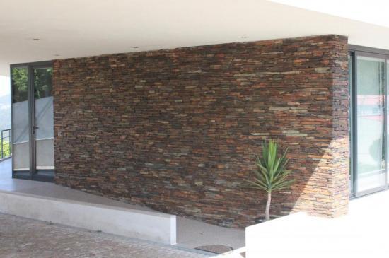 Pan de mur paré d'ardoise multicolor